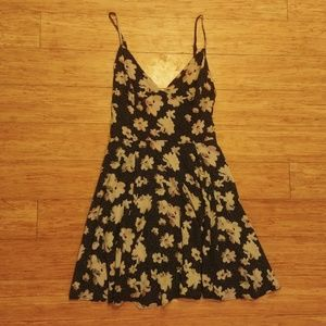 Silence + Noise Spaghetti Strap Mini Dress Sz 0